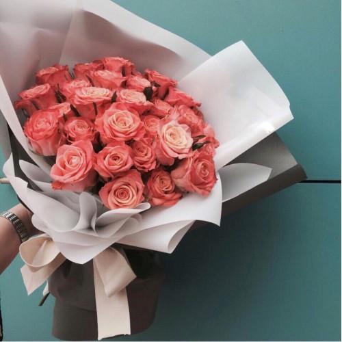 Купить на заказ Букет из 31 розовой розы с доставкой в Атбасаре