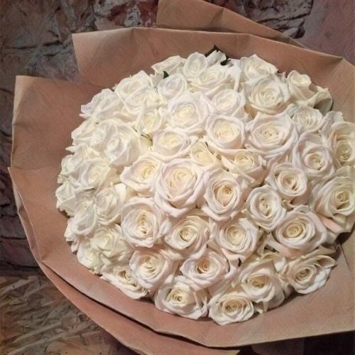 Купить на заказ Букет из 101 белой розы с доставкой в Атбасаре